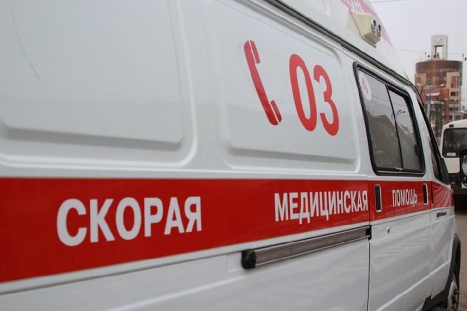 Под Новосибирском 18-летнего парня придавало бетонным перекрытием на заброшенной заправке.