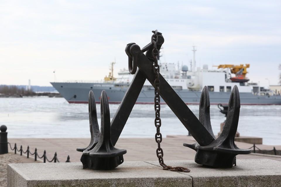 В Кронштадте отменили генеральную репетицию парада ВМФ из-за сильного ветра