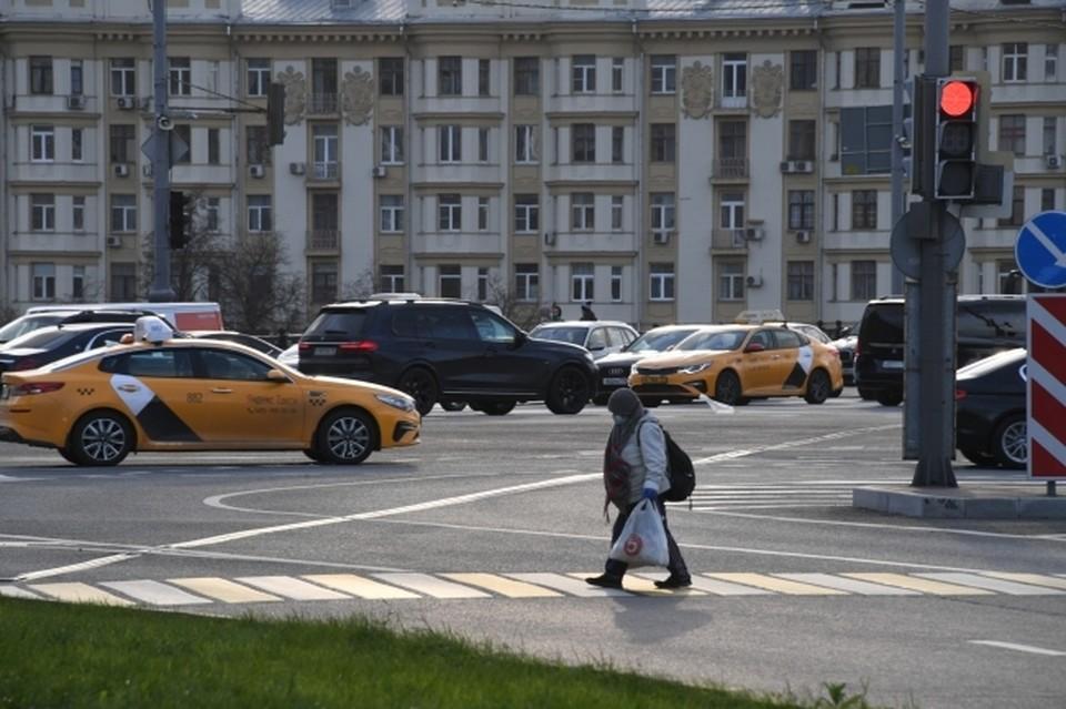 В Сыктывкаре пассажир ударил таксиста камнем по голове