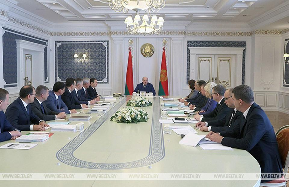 Лукашенко: «Мы на небольшую страну получили под две тысячи НПО, НКО, бандитов и иностранных агентов». Фото: БелТА.