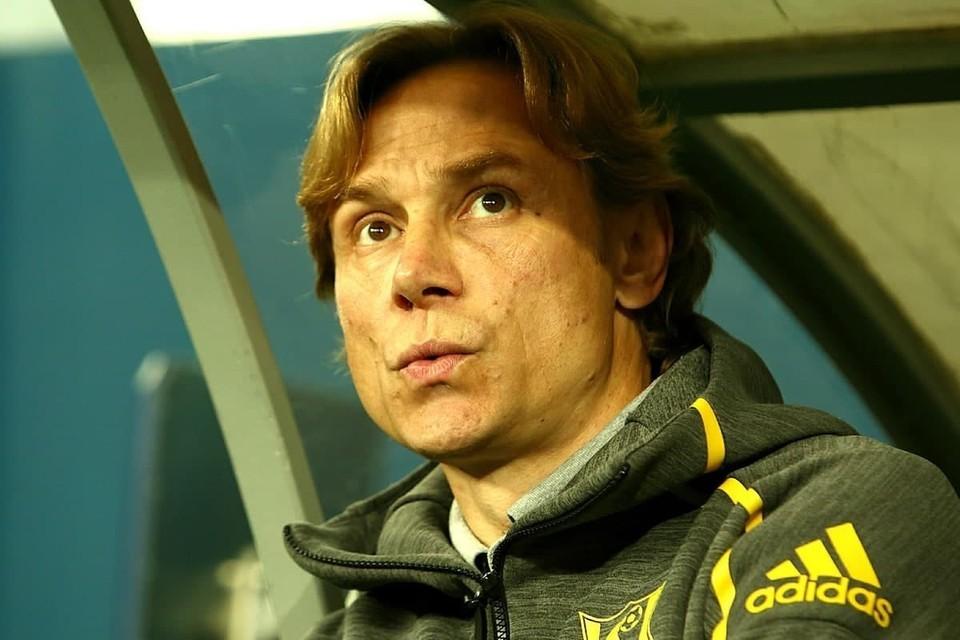 РБК: Штаб Валерия Карпина заработает в сборной России меньше 700 тысяч евро