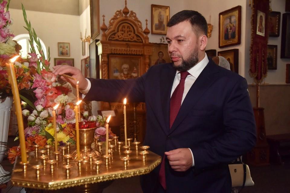 Во время божественной литургии. Фото: сайт Главы ДНР