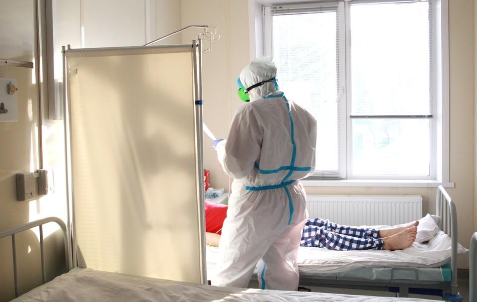Сотни волгоградцев каждый день поступают в больницы с ковидной пневмонией.