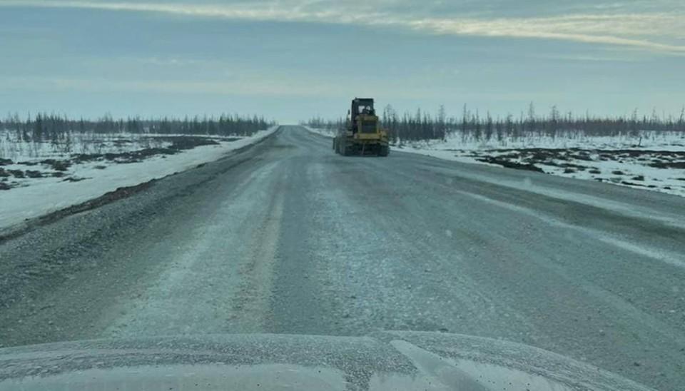 На автодороге Салехард - Надым продлили запрет на движение транспорта на два месяца. Фото: Правительство ЯНАО
