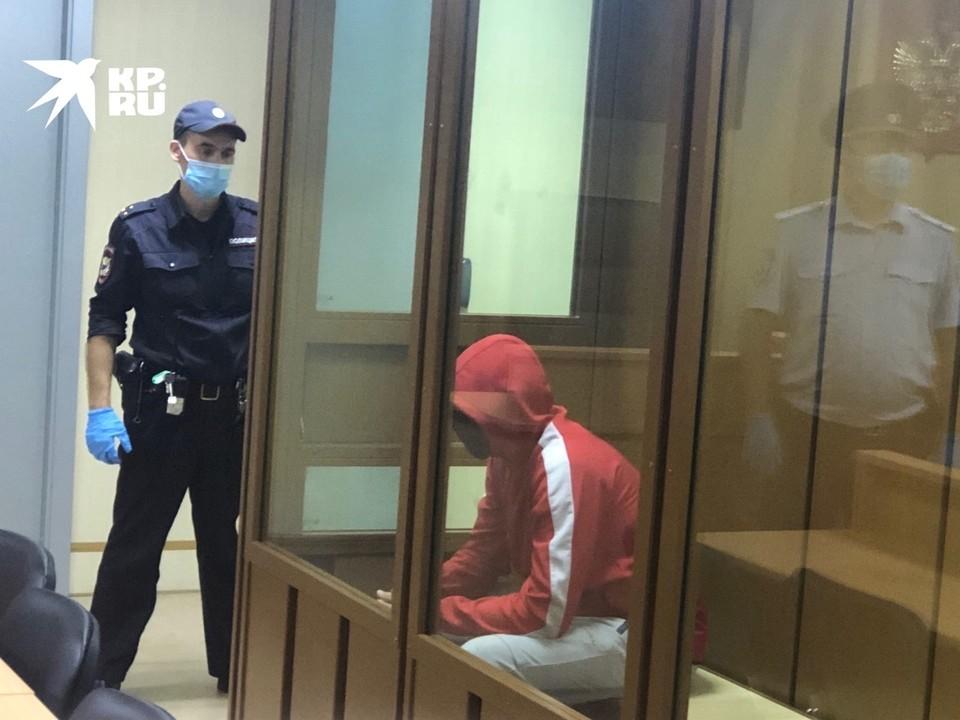 Убийцу 8-летней девочки Виталия Бережного закрыли в СИЗО на два месяца.