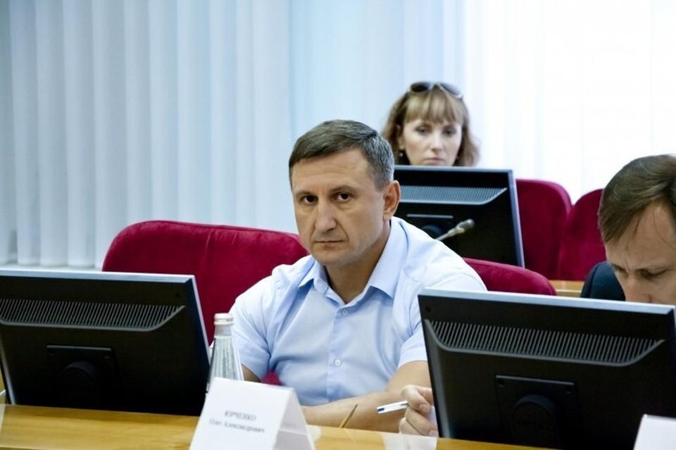 Осенью 2019 года губернатор Ставрополья Владимир Владимиров назначил на должность министра энергетики, промышленности и связи края Виталия Шульженко