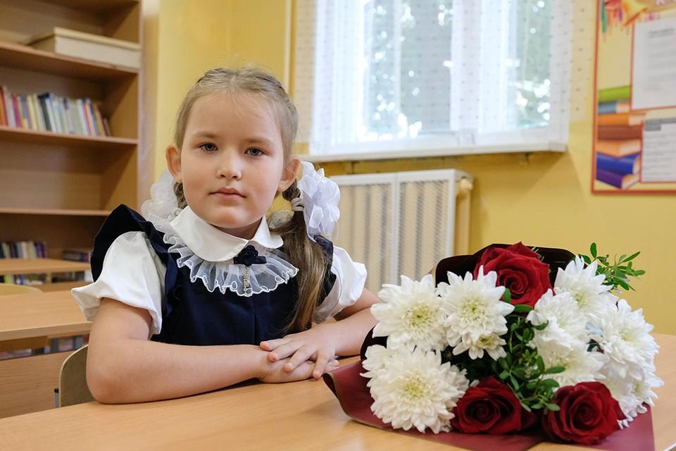 Вероника Шишина из Ленобласти - уникальная первоклашка. В своем классе она единственная ученица.