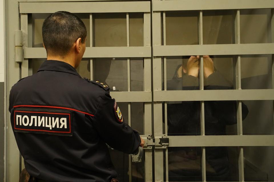 В Кузбассе мужчина обвиняется в убийстве женщины и двоих ее детей.