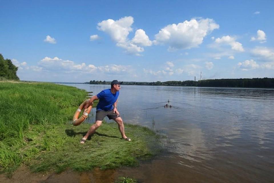 Первую помощь спасатели, дежурившие на трех пляжах города, оказали 30 ярославцам