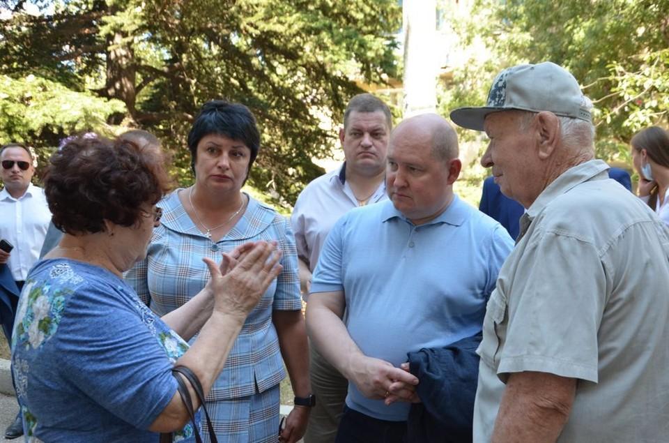 Татьяна Лобач и Михаил Развожаев с проверкой в Балаклаве