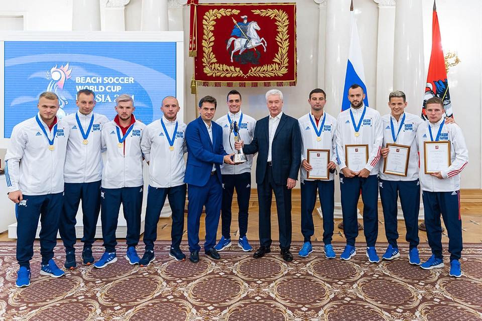 В финале сборная России обыграла сборную Японии со счетом 5:2 и в третий раз в истории стала чемпионом мира. Фото: Максим Мишин, пресс-служба мэра и правительства города.