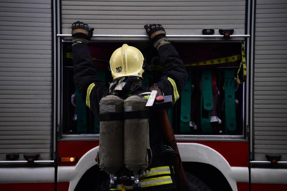 Пламя вспыхнуло в помещении на проспекте Ставского