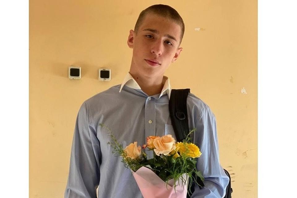 Восьмиклассник Никита умер в школе на перемене. Фото: их архива семьи.