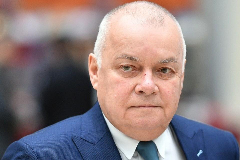 У телеведущего Дмитрия Киселева коронавирус: двусторонняя пневмония и 25%-50% поражения легких.