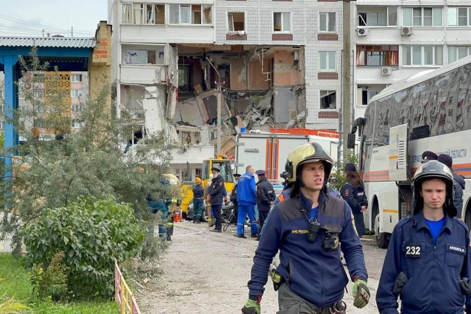После взрыва в девятиэтажке на окраине подмосковного Ногинска, обрушившего квартиры на трех этажах, в местную районную больницу доставили семерых пострадавших.