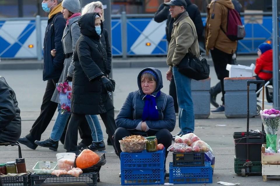 В Петербурге очистили 45 земельных участков от нелегальных торговцев.