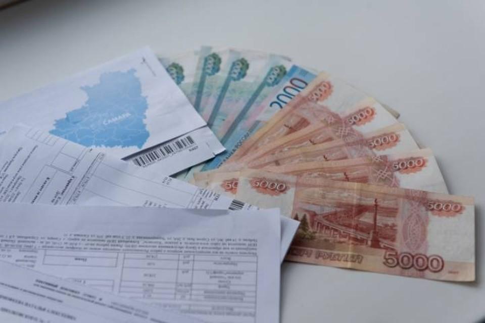 Списание денег с заработанной платы, пенсии или социальной выплаты за долги считается незаконным