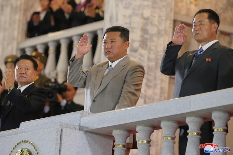 Фотографии с резко похудевшим Ким Чен Ыном появились в сети