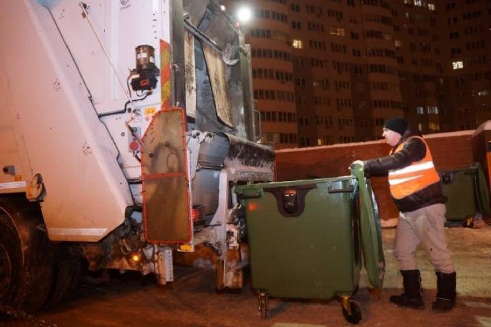 Шум от вывоз мусора с 23.00 до 07.00 мешает горожанам отдыхать и является серьезным нарушением