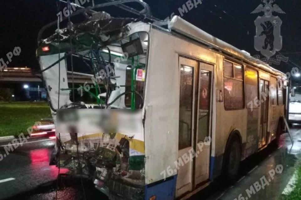 В ДТП пострадали водитель и пассажир троллейбуса