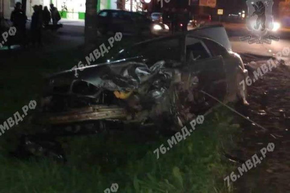 На Ярославском шоссе в Угличе столкнулись «Опель» и «БМВ»