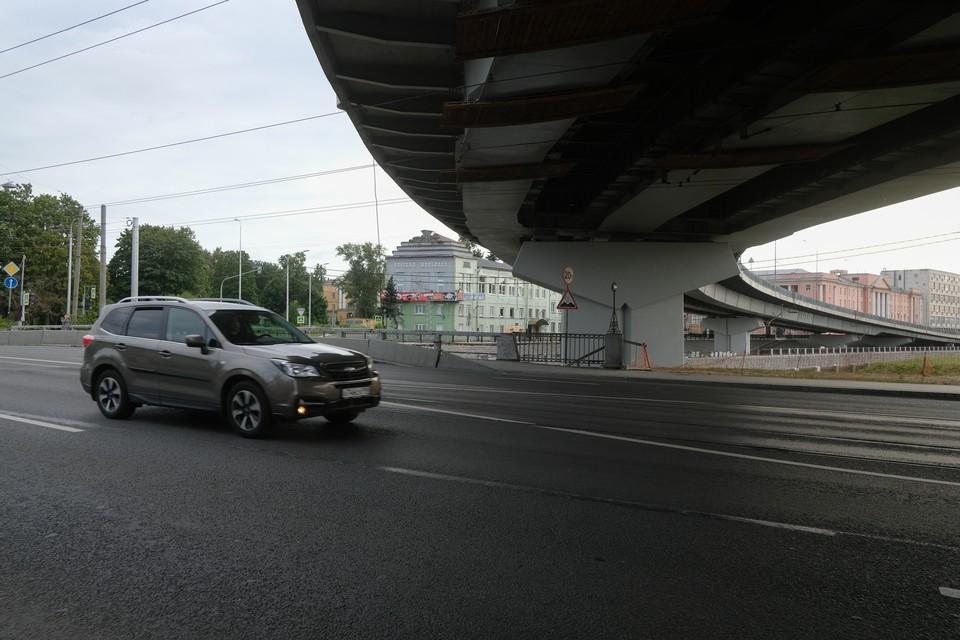 В Петербурге открыли движение по Лиговскому путепроводу