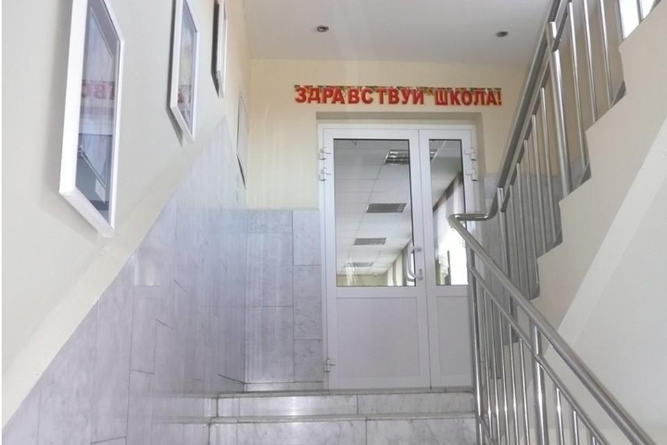 Тюменские школьники попадают на уроки через входной фильтр.