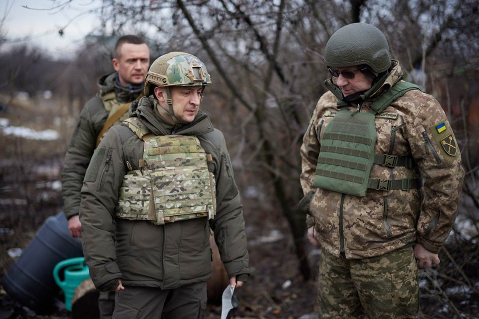 Сделав громкое заявление о вероятности полномасштабной войны Украины с Россией, Зеленский и на сей раз перевернул все с ног на голову.