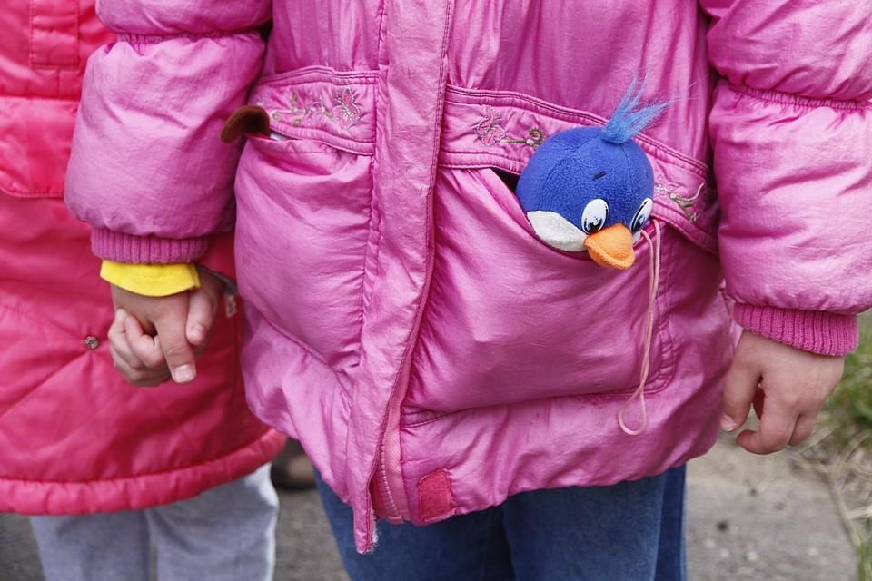 Девятилетняя девочка погибла на детской площадке в Якутии