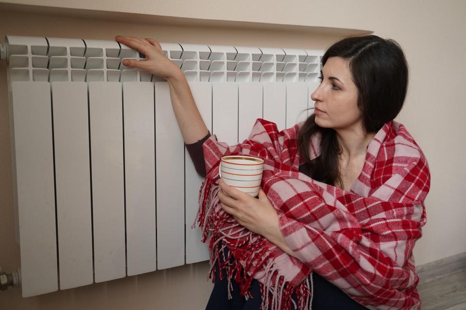 В жилых домах отопительный сезон запустят, когда в течение пяти дней подряд среднесуточная температура воздуха будет ниже +8 градусов