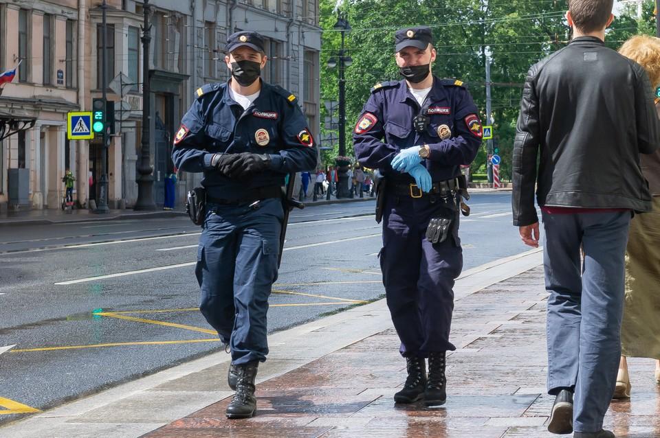 Обманщиков пенсионеров на деньги задержали в Петербурге