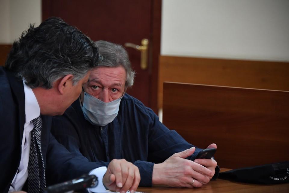 Пресненский суд Москвы 8 сентября признал Ефремова виновным в смертельном ДТП на Смоленской-Сенной площади