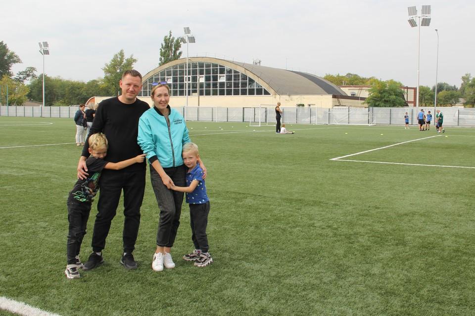Игорь и Анна создали спортивный проект, который дарит улыбки детям