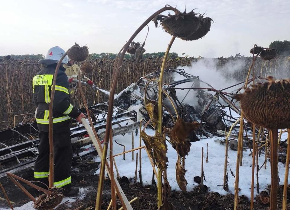 Под Белгородом потерпел крушение легкомоторный самолет. Фото: пресс-служба ГУ МЧС России по Белгородской области.