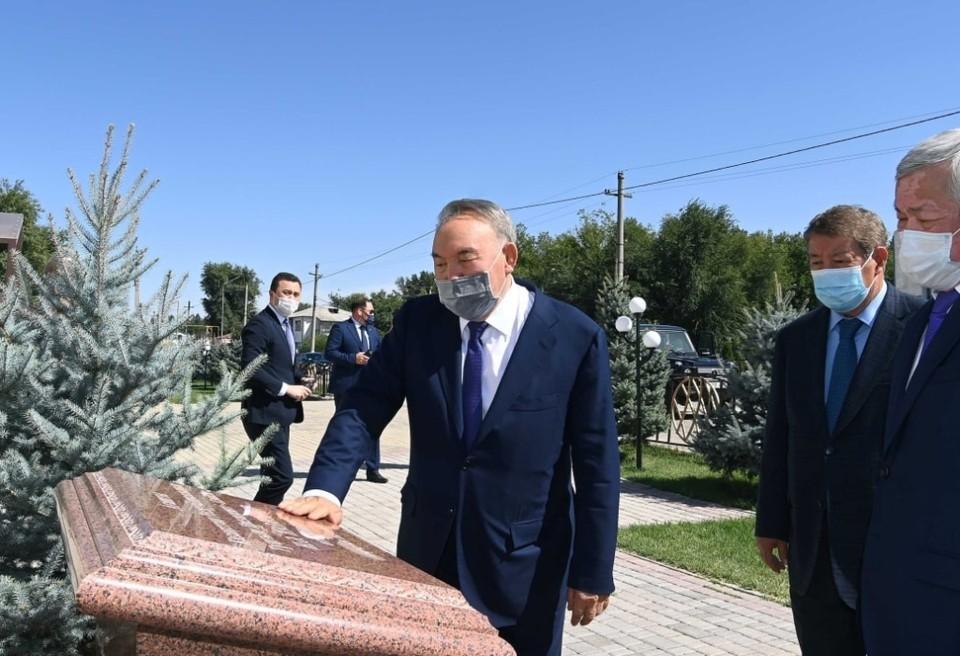 Назарбаев посетил культурные объекты Жамбылской области