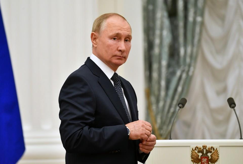 Путин сообщил, что в его окружении несколько человек заболели коронавирусом