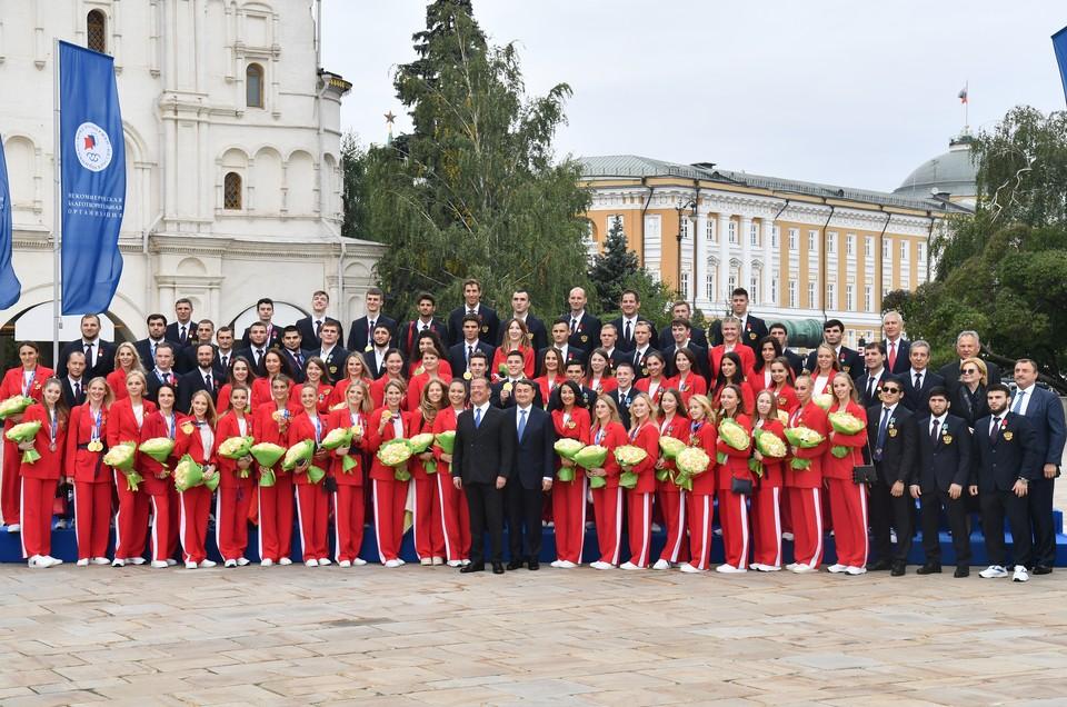 Олимпийцев чествовали в Кремле.
