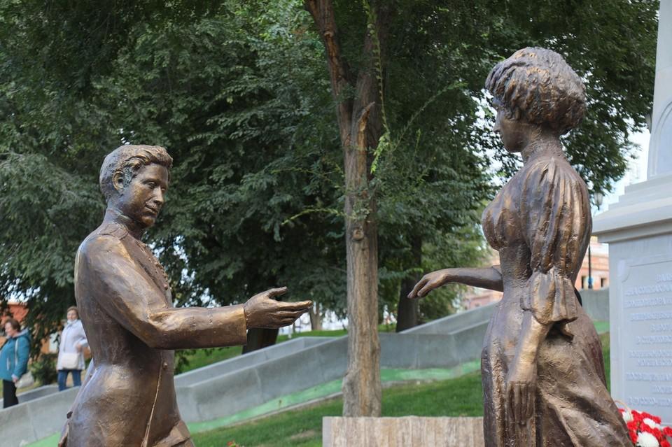 """Скульптура """"Вальс """"На сопках Манчжурии"""". Фото: Администрация города Самара."""