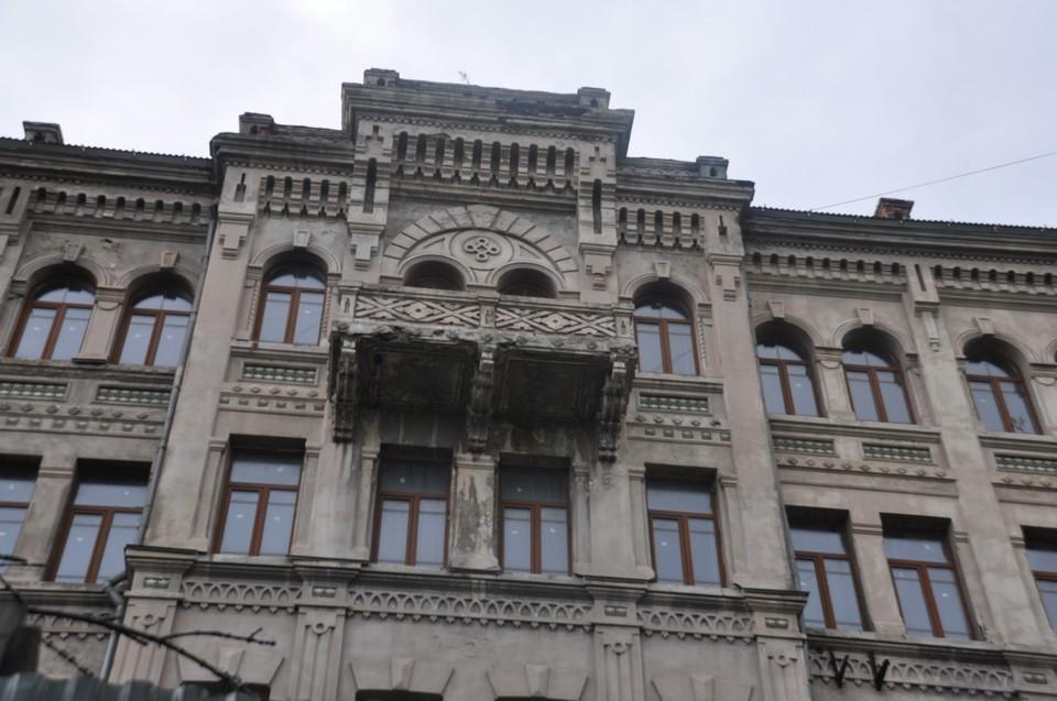 Зданию на Пушкинской более ста лет. Фото: Никита Григорьев