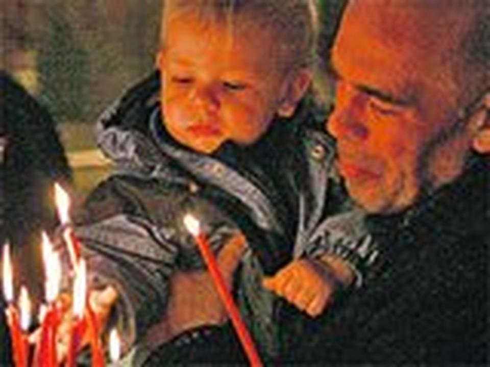 С точки зрения нейрофизиологии молящиеся люди как бы впадают в детство.