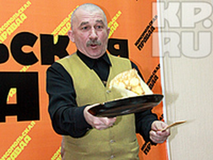 nakormil-kisku-smetanoy