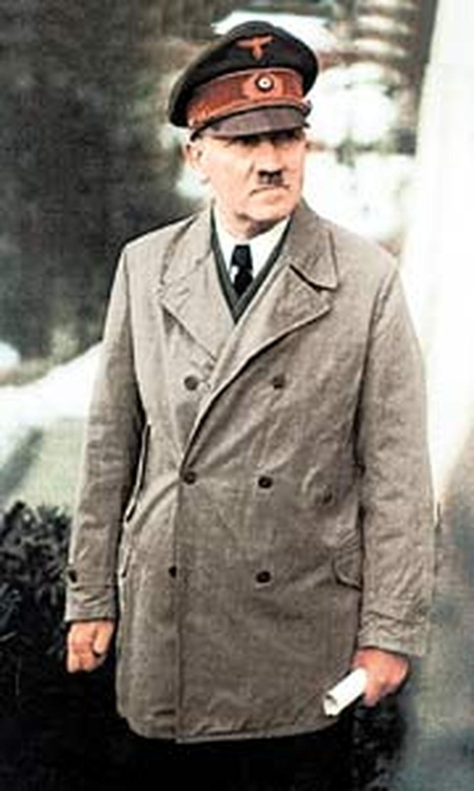 Фюрер не раз грозил неким «оружием возмездия», которое переломит ход войны.
