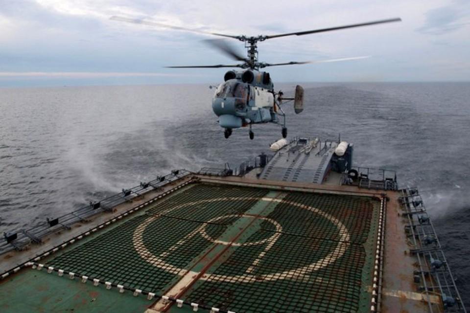 Вертолет с «Петра Великого» упал на острове в море Лаптевых