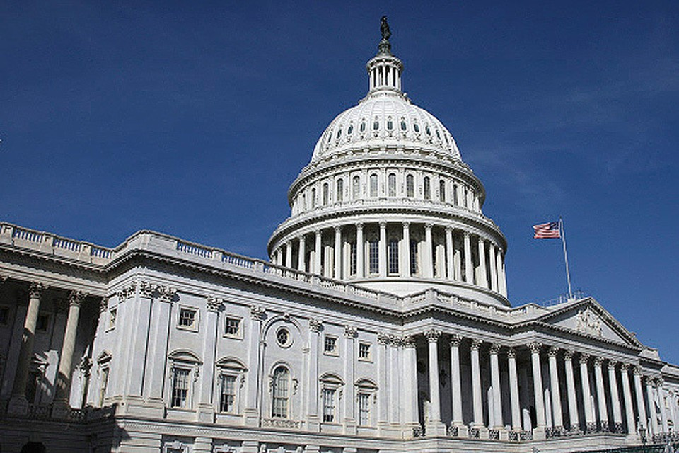 Десятки тысяч граждан США  считают Америку не цитаделью свободы, а «электронным концлагерем».