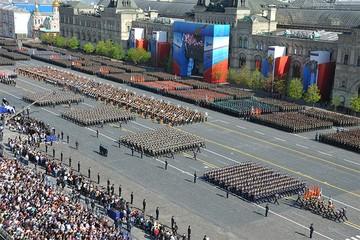 Страна празднует День Победы!