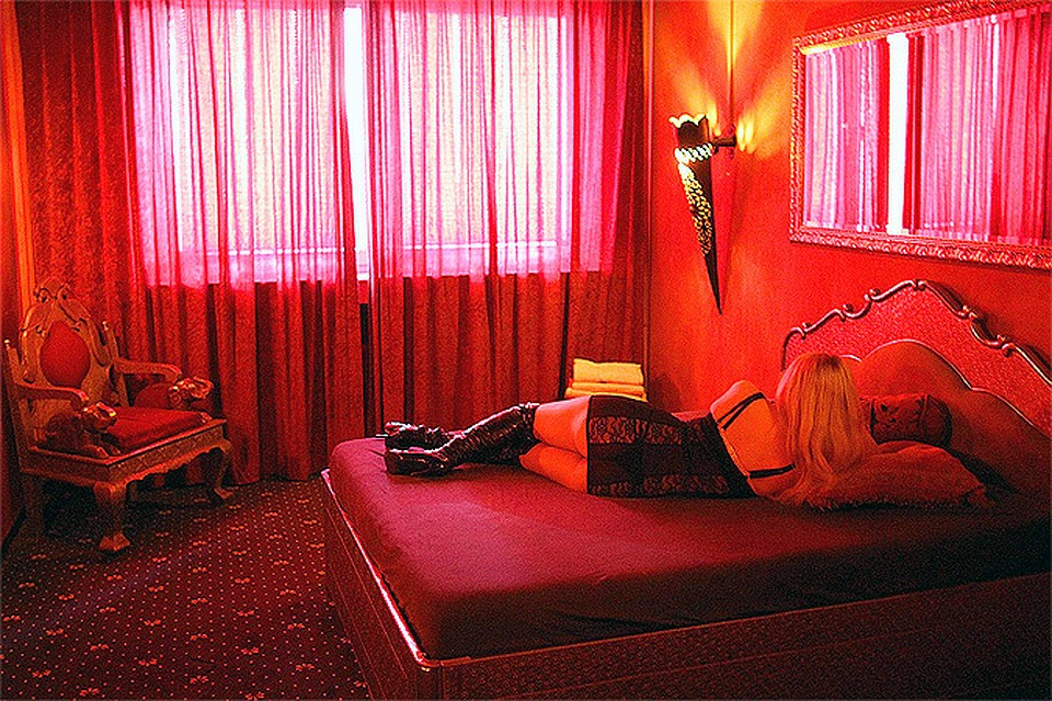 seks-uslugi-kazan-na-semnoy-kvartire-foto-golie-telki-seks