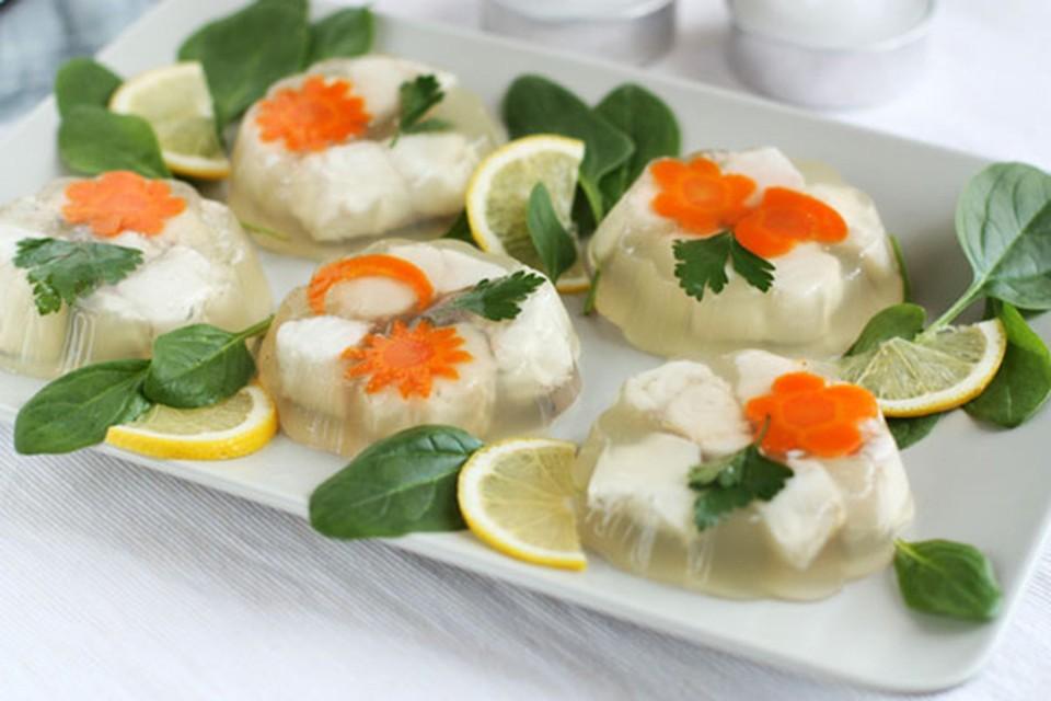 Как вкусно приготовить заливную рыбу