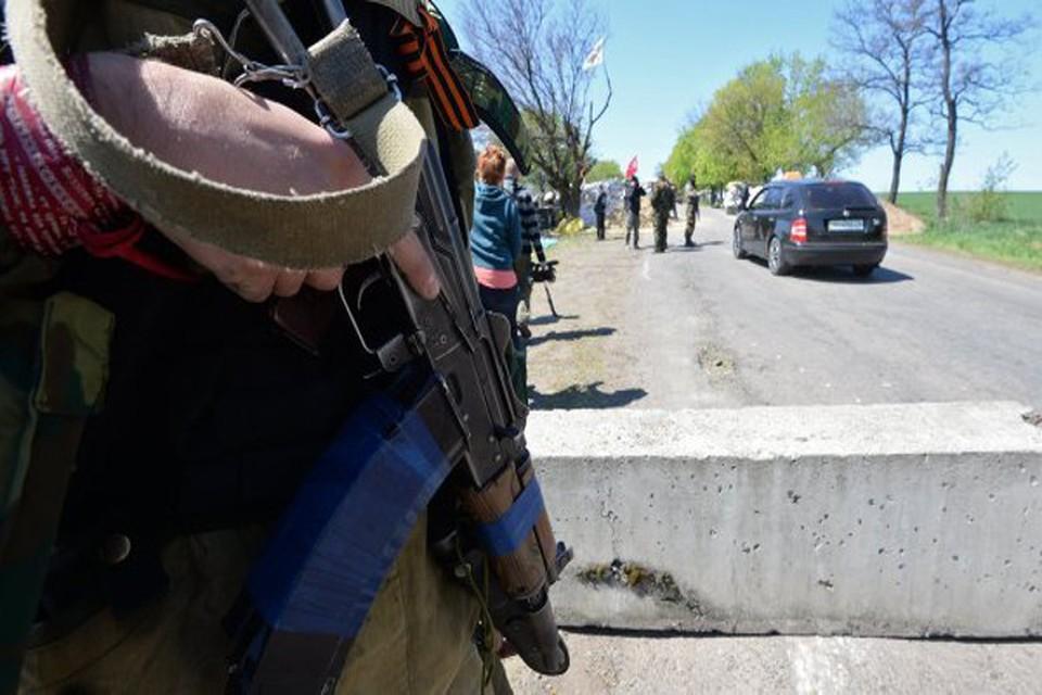 Украинский снайпер обстрелял машину с журналистами «Комсомольской правды»