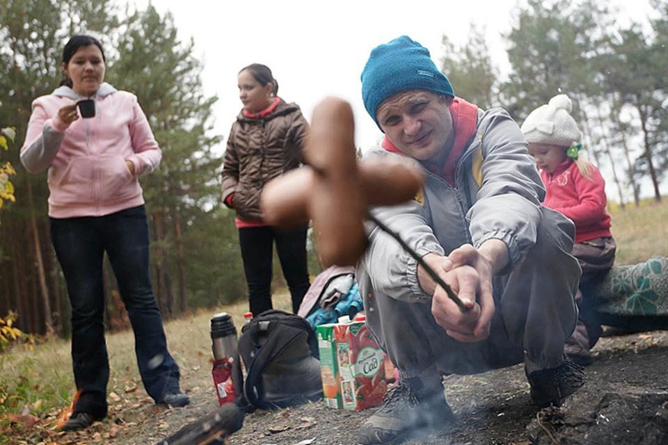 Что мы чаще всего берем с собой, когда едем на дачу, или идет на пикник, или просто хотим быстро перекусить на работе?