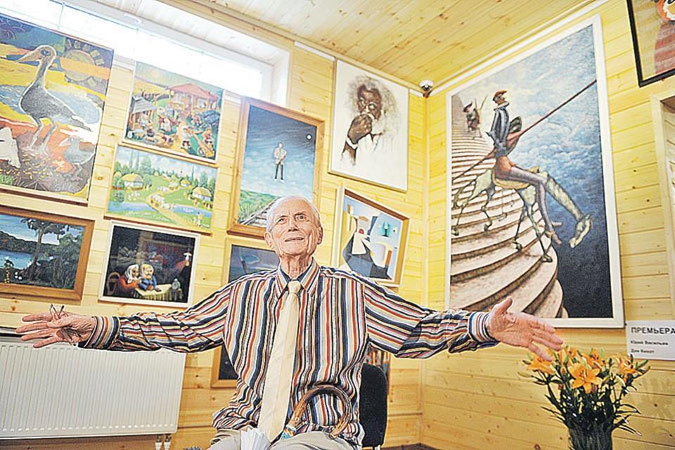 Евгений Евтушенко и его государственная галерея. Лучший в мире Дон Кихот - на фото справа.